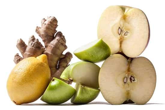 Напиток из корня имбиря, лимонного и яблочного сока