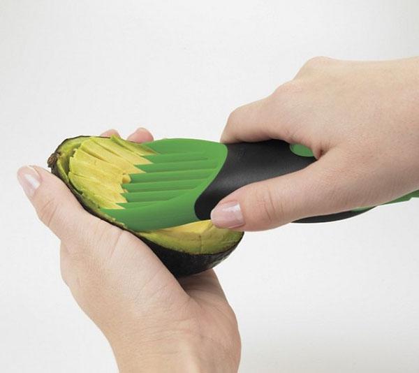 Нож для нарезки фруктов и овощей на салаты. Экономит массу времени!
