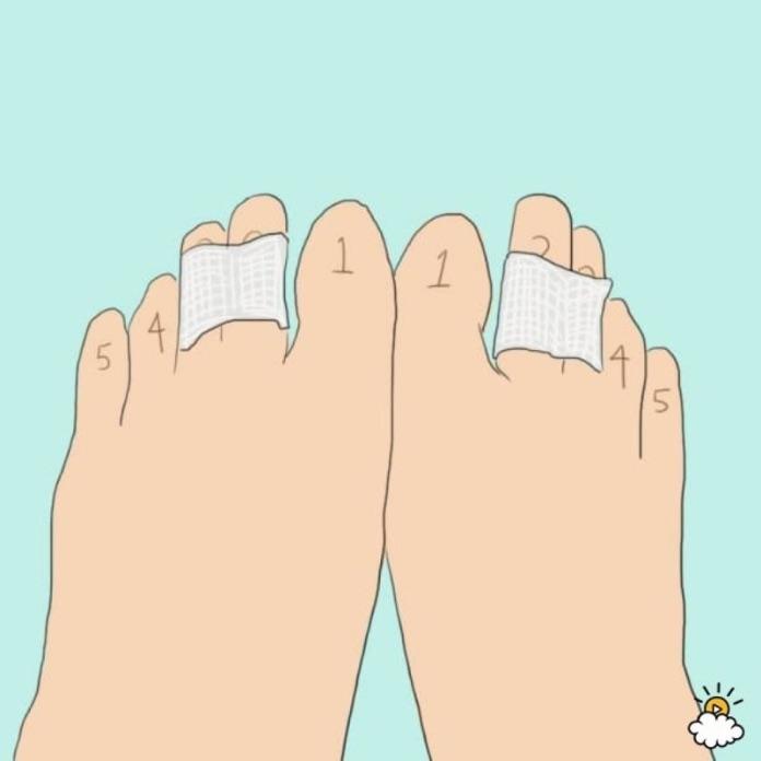 Склеивайте пальцы, когда носите туфли на каблуках