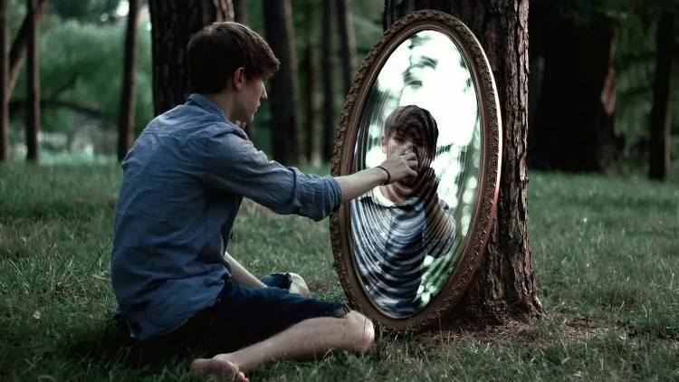 Своё отражение в зеркале