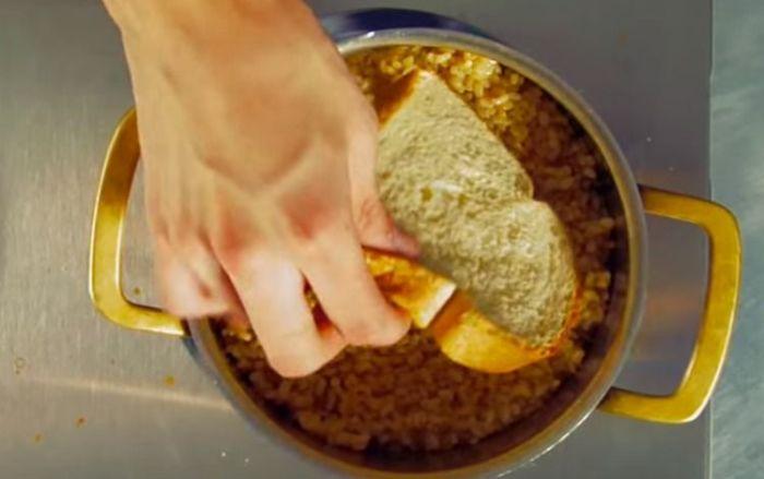 7. Подгоревший рис — не проблема