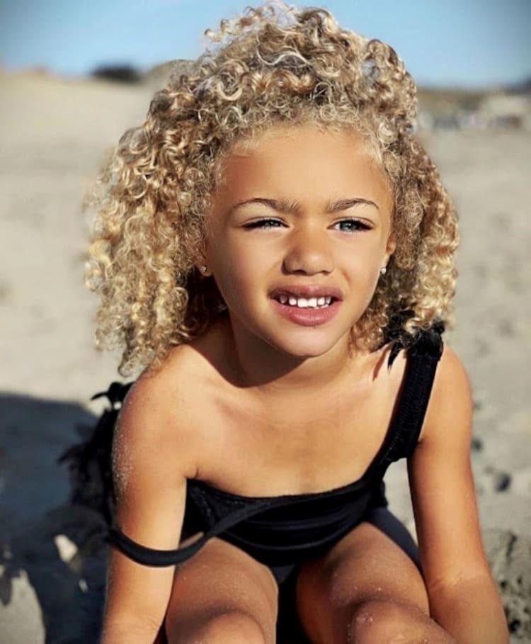 У них родилась девочка неземной красоты! (Фото) Как сегодня выглядит ангелочек