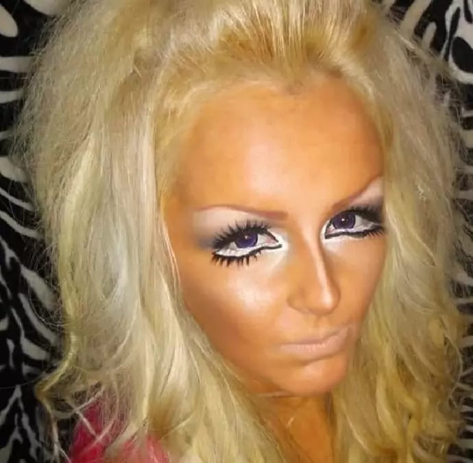 Фотоподборка ужасного использования теней и подводок, которые испортили весь макияж