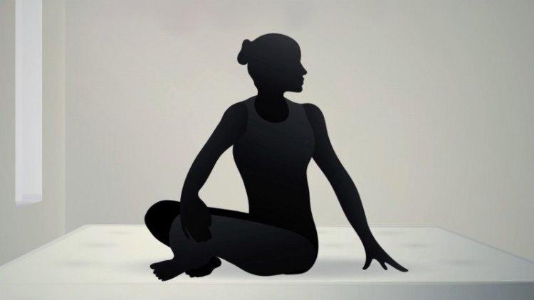 9. Паривритта Сукхасана — Простая скрутка сидя