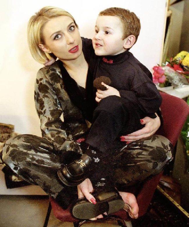 А Вы знали, что 20 лет назад Овсиенко усыновила мальчика из детдома? Как парень выглядит сегодня