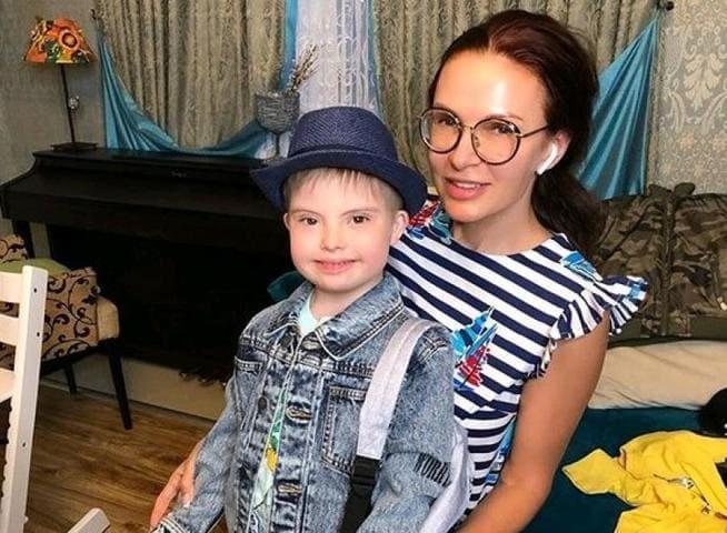Как растет 7-летний сын Эвелины Бледанс, у которого диагностирован синдром Дауна