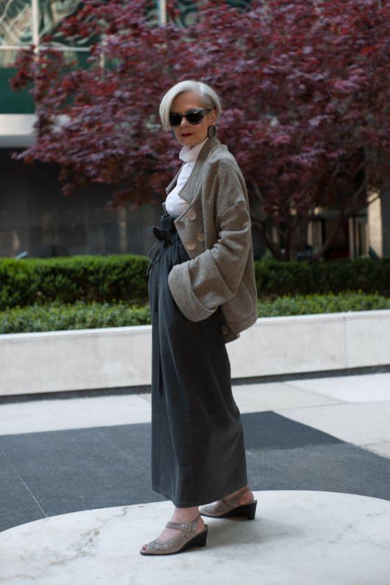 Она не носит косынки и юбки, как наши бабушки. 65-летняя стиляга бомбит мир моды
