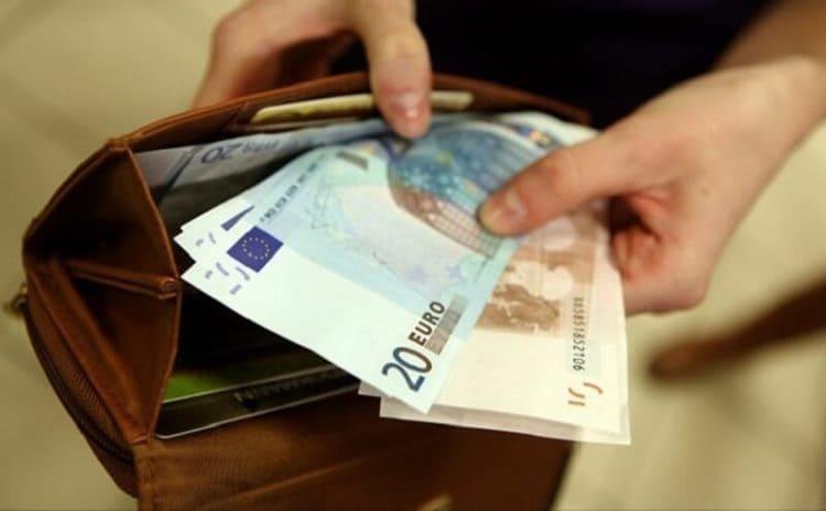 Как привлечь деньги в дом: секрет, которым поделилась моя бабуля!