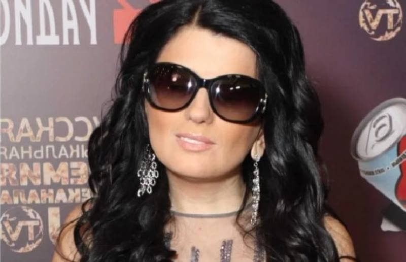 Почему Диана Гурцкая сняла темные очки, и Как она выглядит теперь