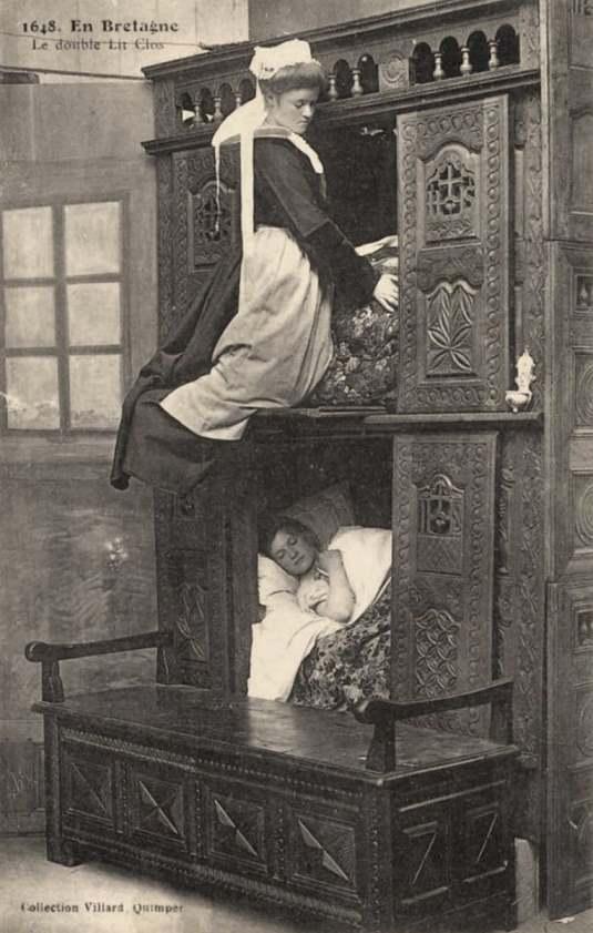 Почему раньше европейцы спали в комодах и ящиках