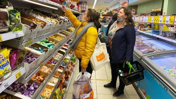 10 пакостей, которые делают работники магазина, но никогда не признаются в этом