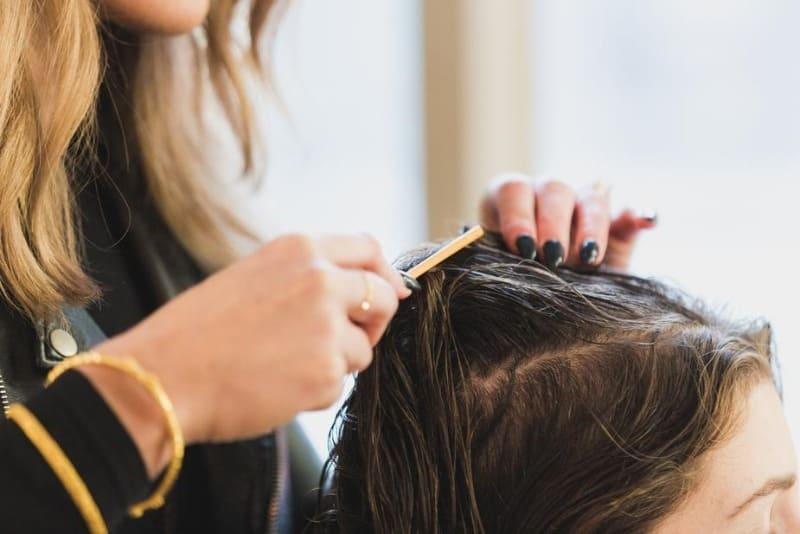 7 вещей, о которых часто не говорят парикмахеры, чтобы больше заработать на клиенте