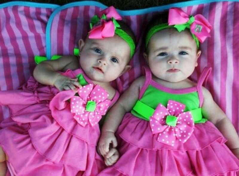 Дали близнецам действительно необычные имена, таких уж точно ни у кого не будет