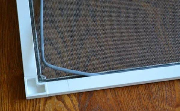 Черная пыль на подоконнике: чем она опасна