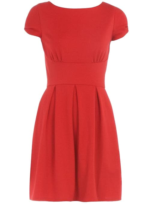 Красное платье - это выбор творческих, искрящихся женщин